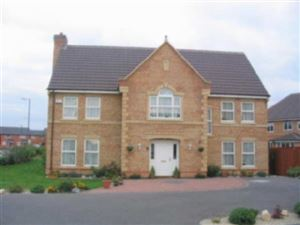 Property in Gerrard Court, Cawston Grange