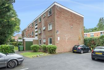 Property in Mayfield Court, Mayfield Rd, Moseley, B13 9HS
